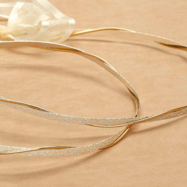 Επάργυρα στέφανα γάμου δίβεργα με ασημένια σαγρέ βάση και χρυσή απλή