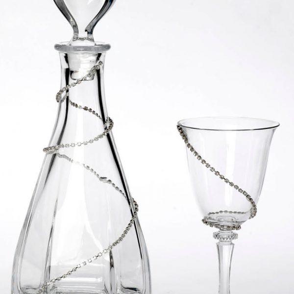 Σετ καράφας και ποτήρι κρασιού στολισμένα με μονή σειρά από στρας
