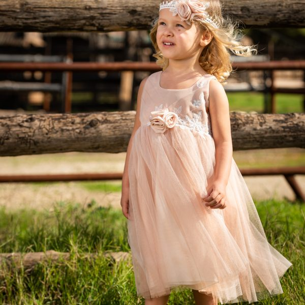 Φόρεμα μεσάτο με λεπτομέρειες βαμβακερής δαντέλας