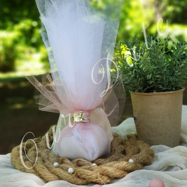 Μπομπονιέρα γάμου με ασημένιο δαχτυλίδι για δέσιμο και τούλι λευκό-σάπιο μήλο