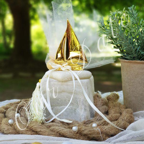 Μπομπονιέρα γάμου καραβάκι σε μάρμαρο
