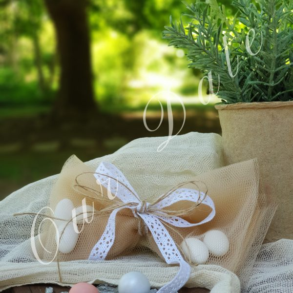 Μπομπονιέρα γάμου-γαμοβάπτισης φιόγκος εκρού